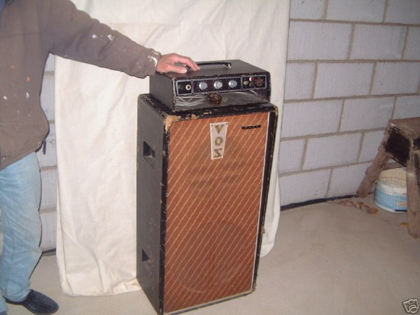 Early Vox T60 bass amplifier