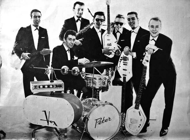 The Jaywalkers with an early Vox Transonic